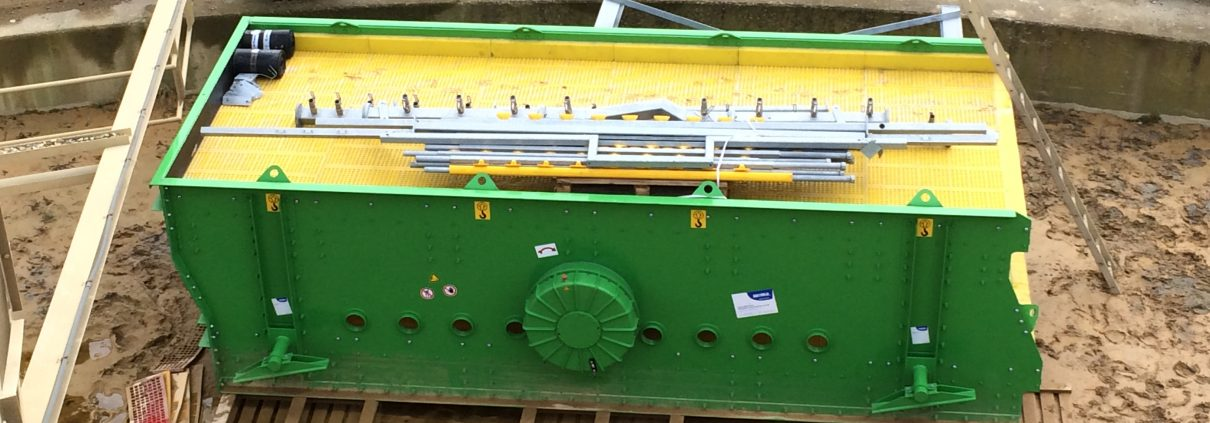 WIMA sizing screen with spray bars for a Dutch sand and gravel plant. equipped with Meister 2005 polyurethane modules (fits WS85 systems)